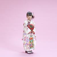七五三の女の子 11004104108| 写真素材・ストックフォト・画像・イラスト素材|アマナイメージズ
