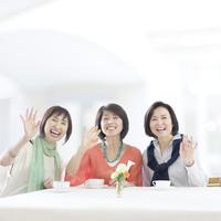 3人の中高年女性