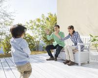 3人の日本人家族