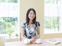 ティータイムの日本人女性