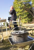 焚き火台とダッチオーブン