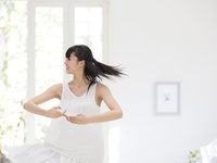 ダンスをする女性