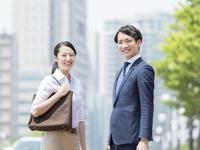 ビジネスマンとビジネスウーマン 11004119379| 写真素材・ストックフォト・画像・イラスト素材|アマナイメージズ