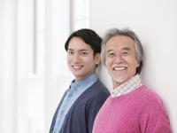 日本人の父と息子 11004119521| 写真素材・ストックフォト・画像・イラスト素材|アマナイメージズ