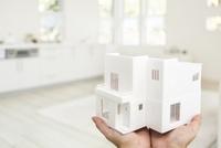 住宅の模型 11004119871| 写真素材・ストックフォト・画像・イラスト素材|アマナイメージズ