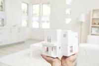 住宅の模型 11004119887| 写真素材・ストックフォト・画像・イラスト素材|アマナイメージズ