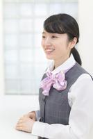 制服姿のビジネスウーマン 11004120622| 写真素材・ストックフォト・画像・イラスト素材|アマナイメージズ