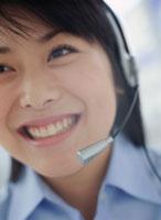 オペレーターの女性 11006000415| 写真素材・ストックフォト・画像・イラスト素材|アマナイメージズ
