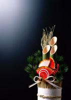 門松 11007008623| 写真素材・ストックフォト・画像・イラスト素材|アマナイメージズ