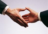 握手 11007027750| 写真素材・ストックフォト・画像・イラスト素材|アマナイメージズ