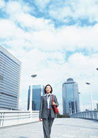 ビジネスウーマン 11007029386| 写真素材・ストックフォト・画像・イラスト素材|アマナイメージズ