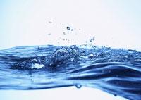 波と水しぶき