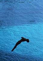 飛び込み 11007031554| 写真素材・ストックフォト・画像・イラスト素材|アマナイメージズ