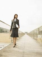 ビジネスウーマン 11007033150| 写真素材・ストックフォト・画像・イラスト素材|アマナイメージズ