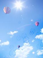 青空と熱気球