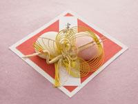 紅白まんじゅう 11007055878| 写真素材・ストックフォト・画像・イラスト素材|アマナイメージズ