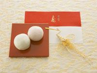 紅白まんじゅう 11007055949| 写真素材・ストックフォト・画像・イラスト素材|アマナイメージズ