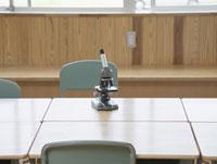 教室の顕微鏡