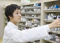 薬剤師 11007057196  写真素材・ストックフォト・画像・イラスト素材 アマナイメージズ