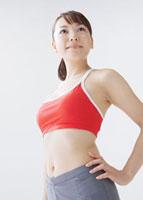 若い女性 11007057546| 写真素材・ストックフォト・画像・イラスト素材|アマナイメージズ
