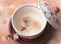 桜湯 11007057743| 写真素材・ストックフォト・画像・イラスト素材|アマナイメージズ