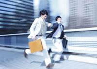 走るビジネスマン 11007058297| 写真素材・ストックフォト・画像・イラスト素材|アマナイメージズ