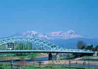 旭橋と大雪山