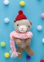 クマの編みぐるみ