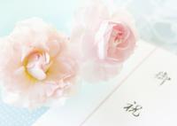 お祝いののし袋とバラ
