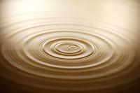 drop of water as it falls 11010006771| 写真素材・ストックフォト・画像・イラスト素材|アマナイメージズ