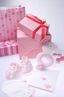 Wrapped gift boxes and toys 11010009097| 写真素材・ストックフォト・画像・イラスト素材|アマナイメージズ