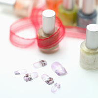 Artificial fingernails and nail polishes