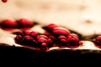 Red air bubbles 11010045710| 写真素材・ストックフォト・画像・イラスト素材|アマナイメージズ