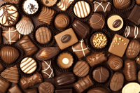 Close-up of variation of chocolates 11010045842| 写真素材・ストックフォト・画像・イラスト素材|アマナイメージズ