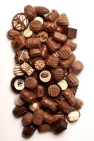 Close-up of variation of chocolates 11010046124| 写真素材・ストックフォト・画像・イラスト素材|アマナイメージズ