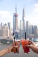 Shanghai, China, Asia, The Bund, Oriental Pearl Tower, 11010049986| 写真素材・ストックフォト・画像・イラスト素材|アマナイメージズ