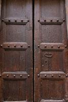 木の扉(イタリア) 11011000817| 写真素材・ストックフォト・画像・イラスト素材|アマナイメージズ