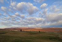 レイクパウエル近郊の大地と青空と雲