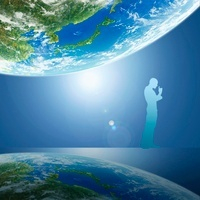 地球と考える人 11011011633| 写真素材・ストックフォト・画像・イラスト素材|アマナイメージズ