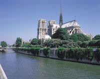 ノートルダム寺院と川 フランス 11012008717| 写真素材・ストックフォト・画像・イラスト素材|アマナイメージズ
