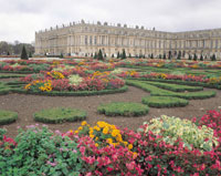 ヴェルサイユ宮殿と花壇 フランス