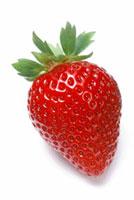 1個のイチゴ(さちのか)