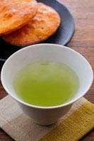 緑茶と煎餅