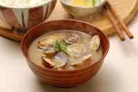 アサリの味噌汁とご飯