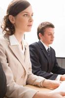 商談をする男女 11014006828| 写真素材・ストックフォト・画像・イラスト素材|アマナイメージズ
