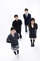 中学生たち 11014009501| 写真素材・ストックフォト・画像・イラスト素材|アマナイメージズ