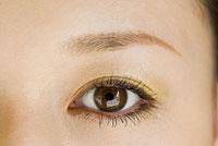 女性の瞳 アップ
