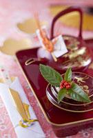 お屠蘇と祝い箸 11014025796| 写真素材・ストックフォト・画像・イラスト素材|アマナイメージズ