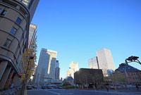 東京駅中央口前の交差点