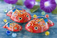金魚のブリキ玩具と朝顔